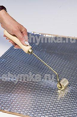 Ролик прикаточный металлический ОТОГНУТЫЙ диаметр 30мм ширина 35мм УДЛИНЕННАЯ деревянная ручка