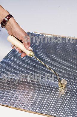 Ролик прикаточный металлический ОТОГНУТЫЙ диаметр 30мм ширина 25мм УДЛИНЕННАЯ деревянная ручка